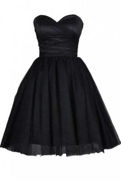 Black Short A-Line Homecoming Dress Featuring Sweetheart Bodice