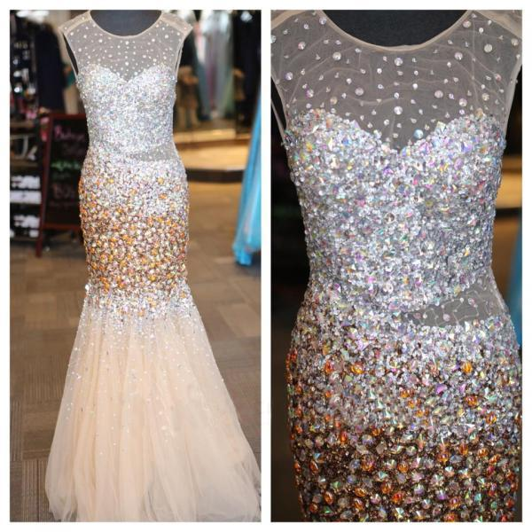 Backless Prom Dresses,Open Back Prom Dress,Crystals Prom Gown,Sparkly Prom Gowns,Elegant Evening Dress,Sparkle Evening Gowns,Mermaid Evening Gowns,Sexy Champagne Prom Dress